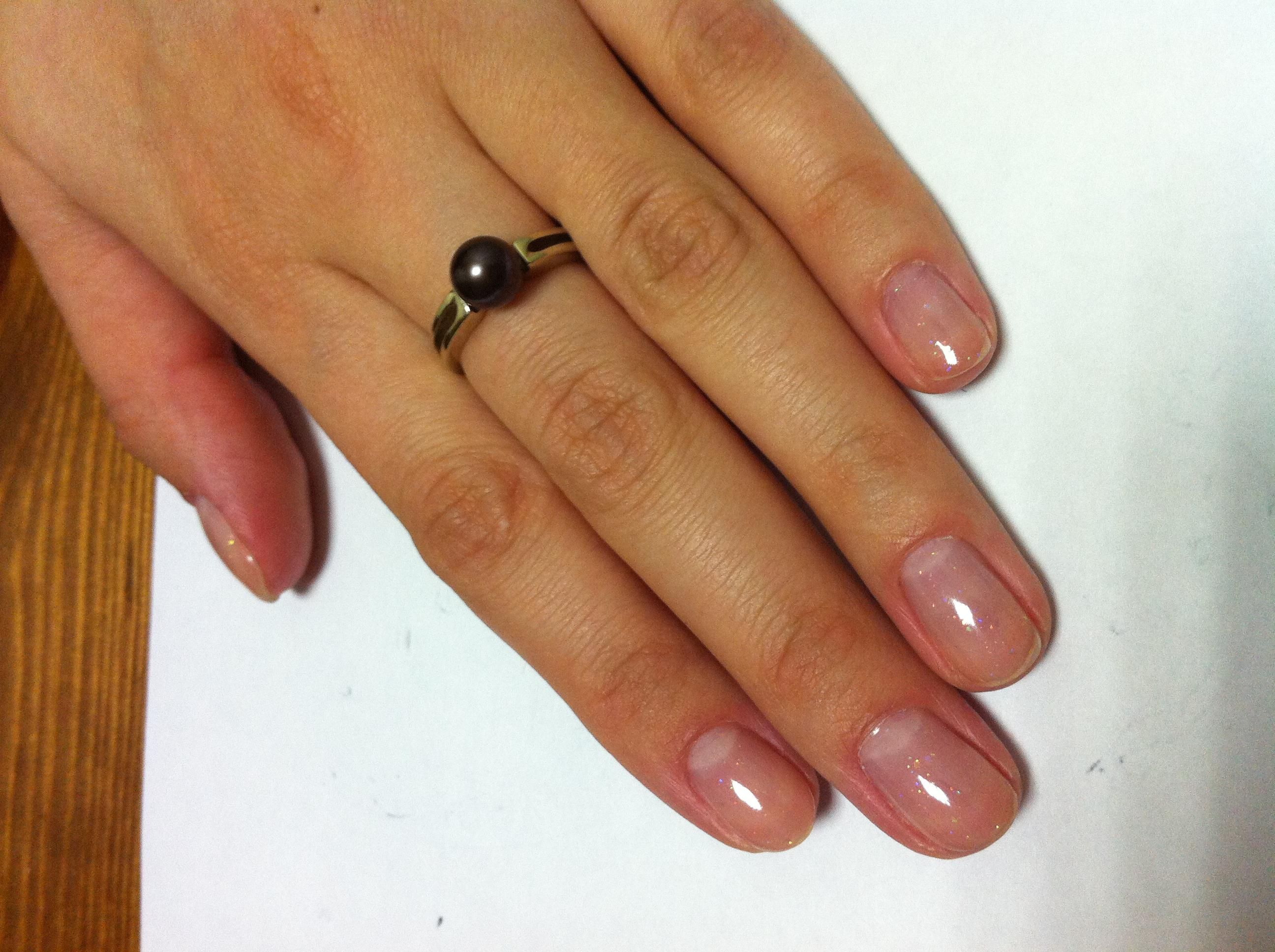 Бесцветный гель лак для ногтей фото